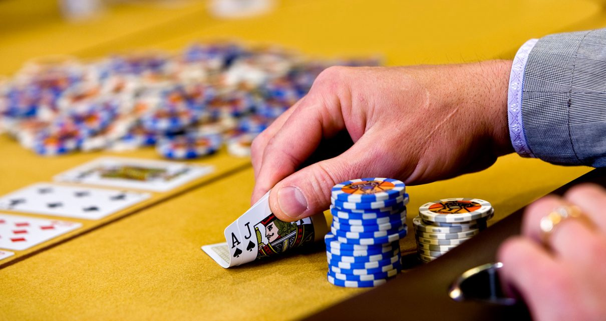 Where To Visit Play Poker Online At No Cost