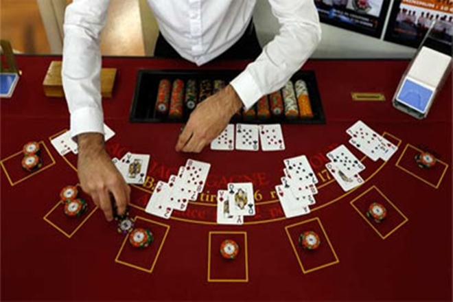 Fracturing The Casino Poker Trick