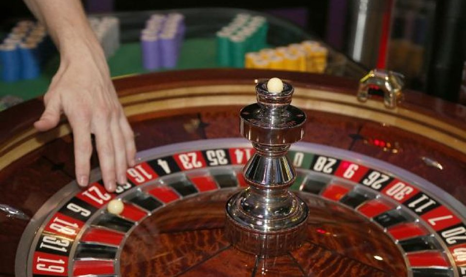 How smart gamblers play and earn without any difficulty?